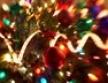Атрибуты Нового года - новогодние елки и мишура